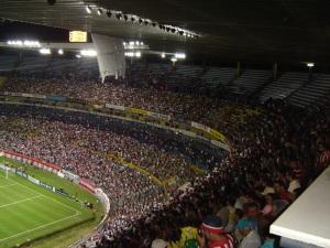 O imponente Jalisco recebeu bom público para Santos x Chivas em 2008